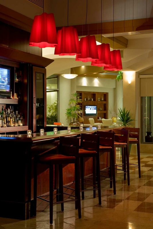 Doubletree by Hilton San Juan Bar/lounge