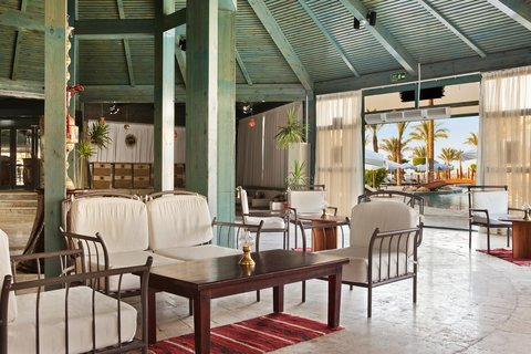 Hilton Sharm Waterfalls Resort - Sea Shore Lounge