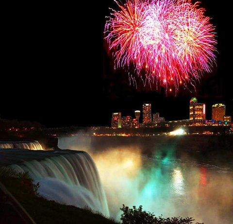 Hampton Inn Niagara Falls - Fireworks at the Falls