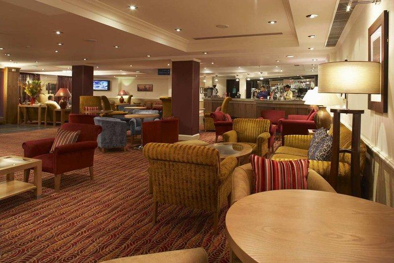 Hilton Watford Bar/salónek