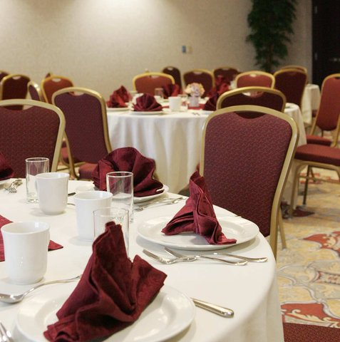 Hampton Inn by Hilton Toronto Airport Corporate Centre - Meeting Your Needs