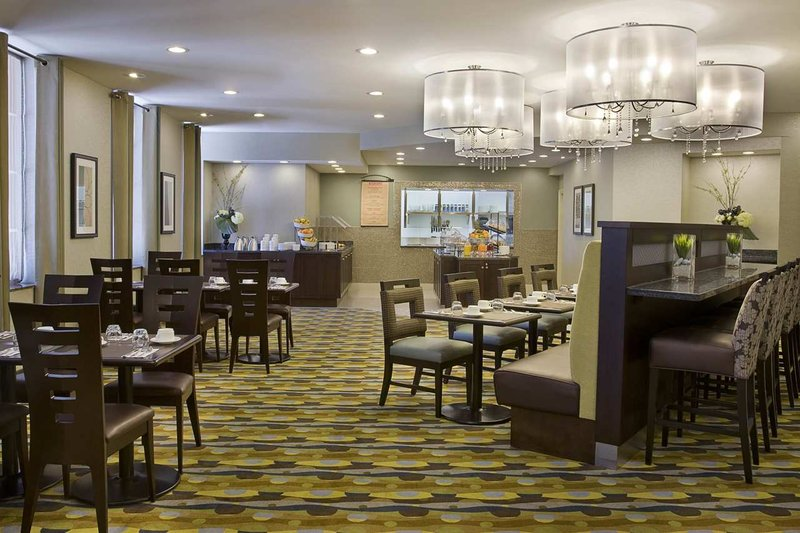 Hilton Garden Inn Toronto City Centre Étkezés