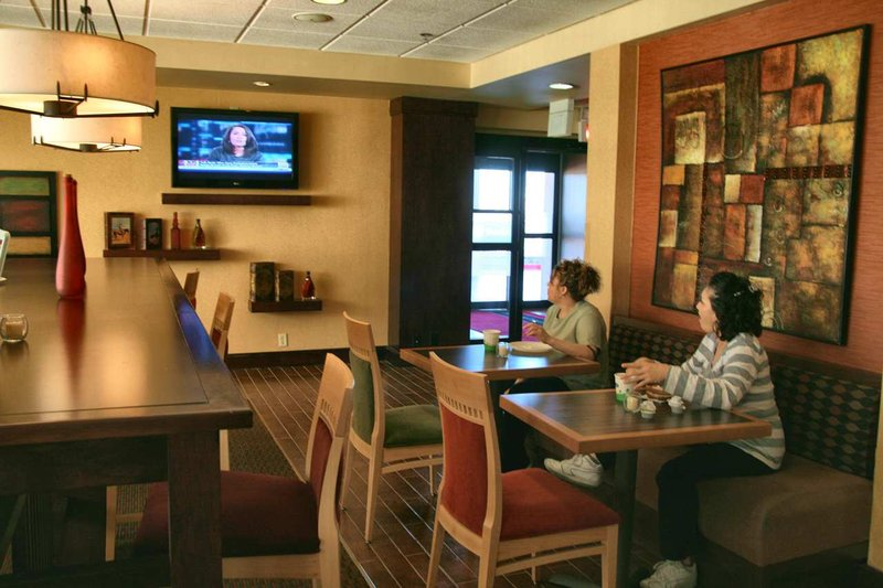 Hampton Inn Albuquerque, University-Midtown (UNM) ロビー