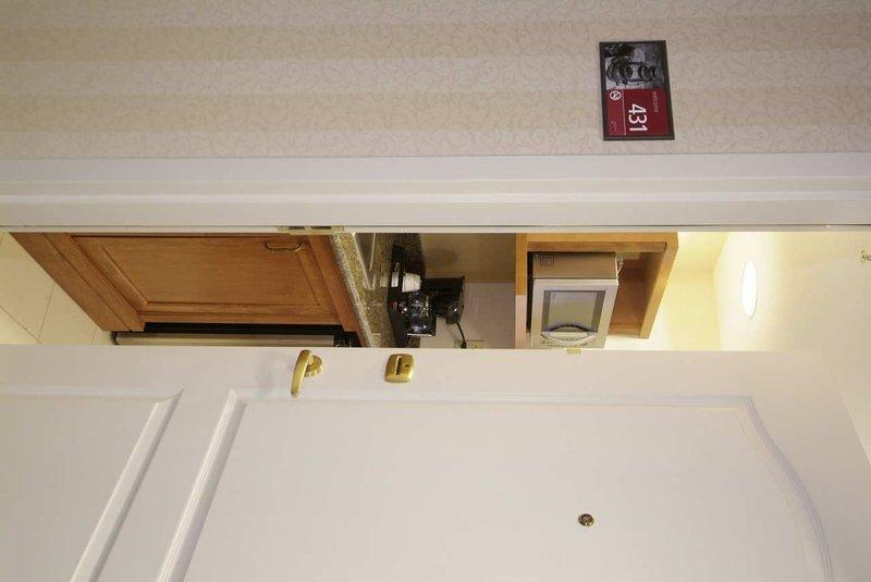 Hampton Inn & Suites Guelph, Ontario, Canada Suite