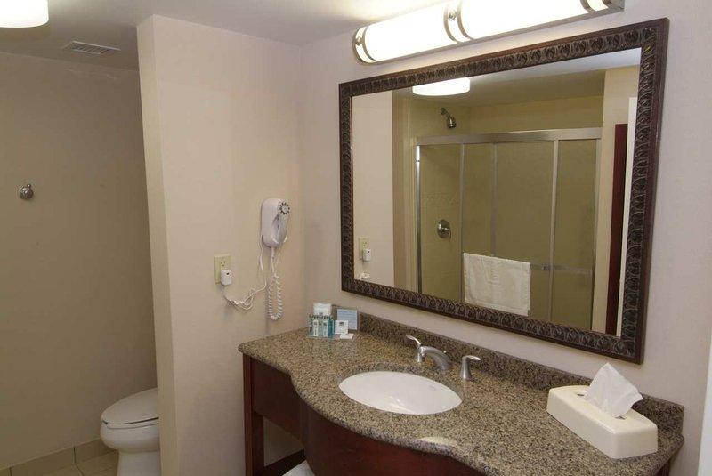 Hampton Inn & Suites Guelph, Ontario, Canada Vista della camera