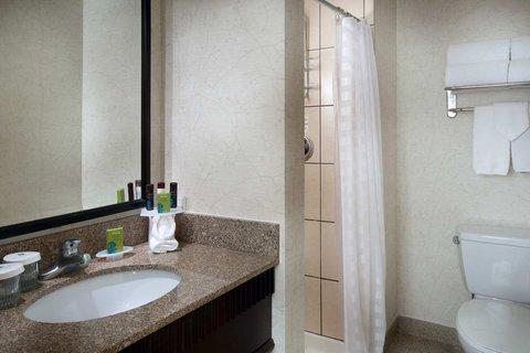 Embassy Suites Chicago - Downtown - NonSuite Bathroom