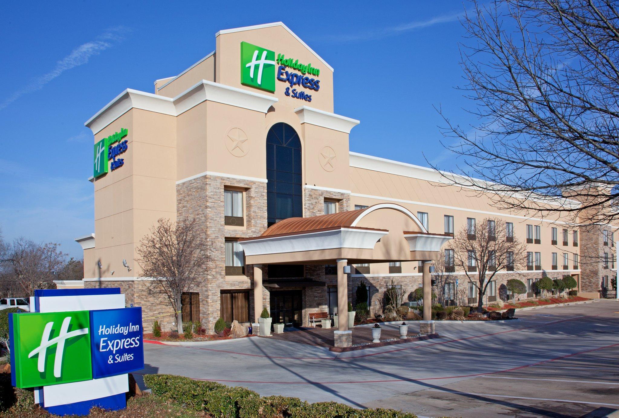 Holiday Inn Express Hotel & Suites Arlington (I-20-Parks Mall)