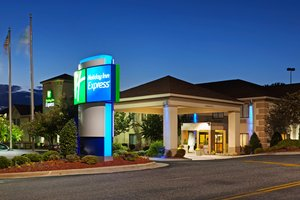 Holiday Inn Express US 74 Shelby