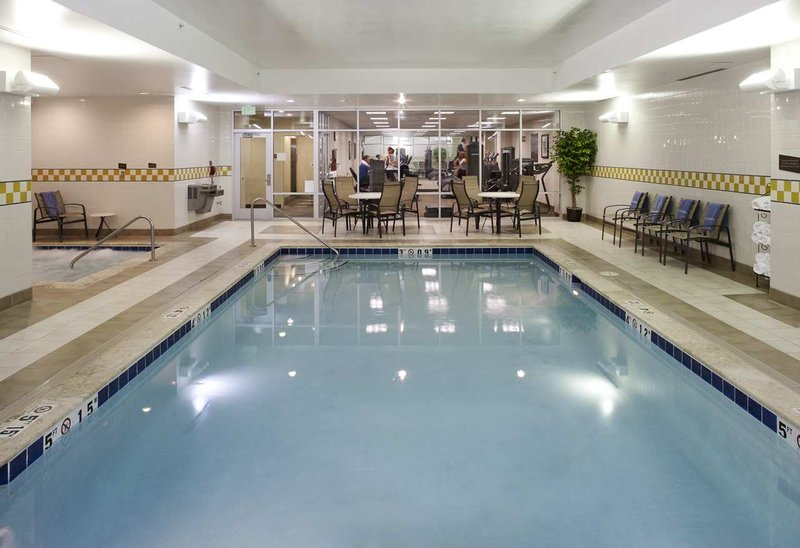 Hilton Garden Inn Denver Downtown Poolansicht