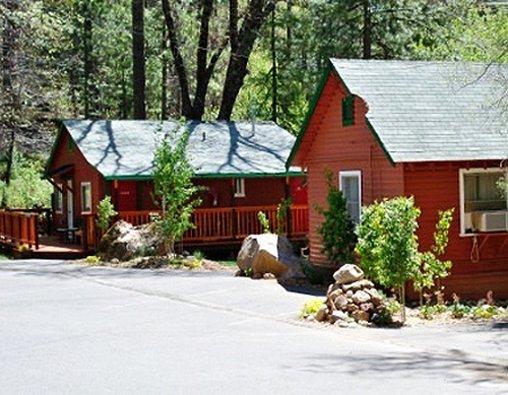 Yosemite Riverside Inn - Groveland, CA