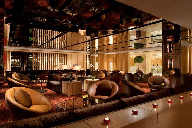 Doubletree by Hilton Kuala Lumpur Bar/salónek
