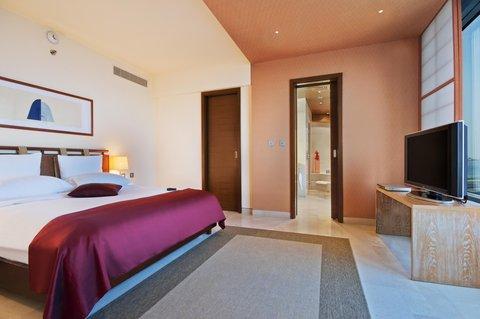 科威特希尔顿酒店 - Corner Suite Deluxe Plus