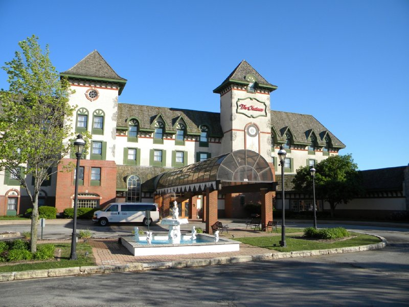 Chateau Hotel &amp; Conference Ctr