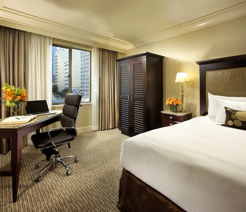 Hilton Checkers Los Angeles Vista do quarto
