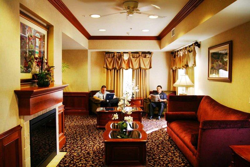 Hampton Inn & Suites Colton/San Bernardino, CA Lobby
