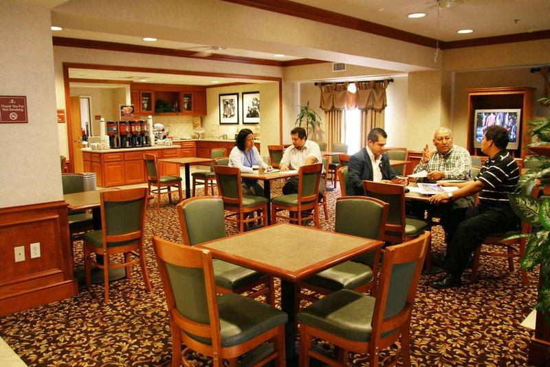Hampton Inn & Suites Colton/San Bernardino, CA Gastronomía