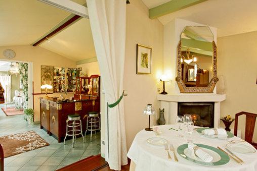 Le Parc Victoria Bar/Lounge