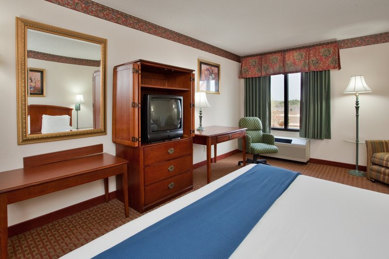 Holiday Inn Express CLAYTON (SE RALEIGH) - Garner, NC