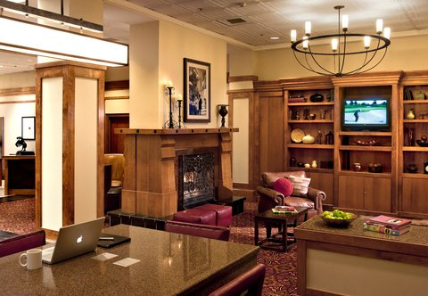 Marriott Courtyard Denver Downtown Hotel - Lobby Sitting Area