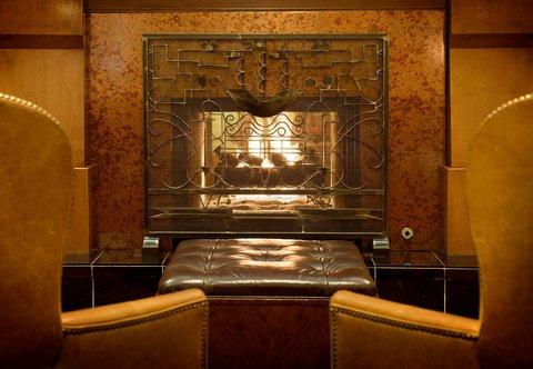 Marriott Courtyard Denver Downtown Hotel - Lobby Fireplace