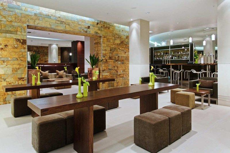 Hilton London Canary Wharf hotel Bar/salón