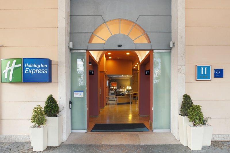 Holiday Inn Express Valencia-Ciudad de las Ciencias Fasad