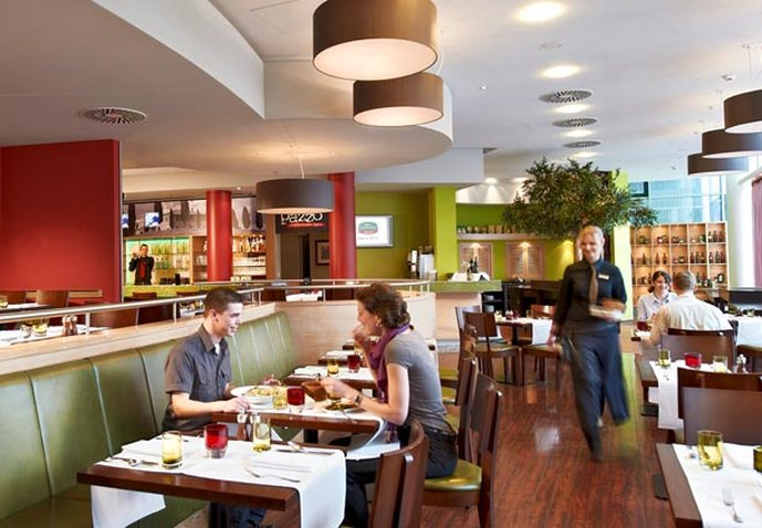 Hotel Courtyard by Marriott Berlin City Center Oléo Pazzo Totale