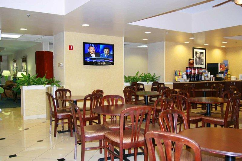 Hampton Inn Orlando-Airport, FL Restauration