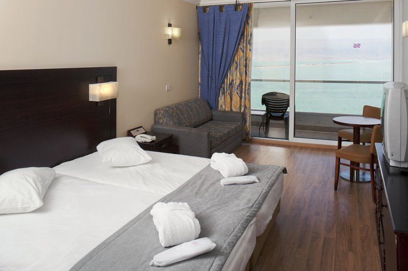 Crowne Plaza Hotel  DEAD SEA Pokoj