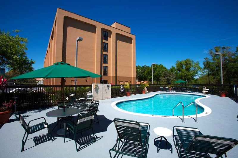 Hampton Inn closest to Universal Orlando Pool