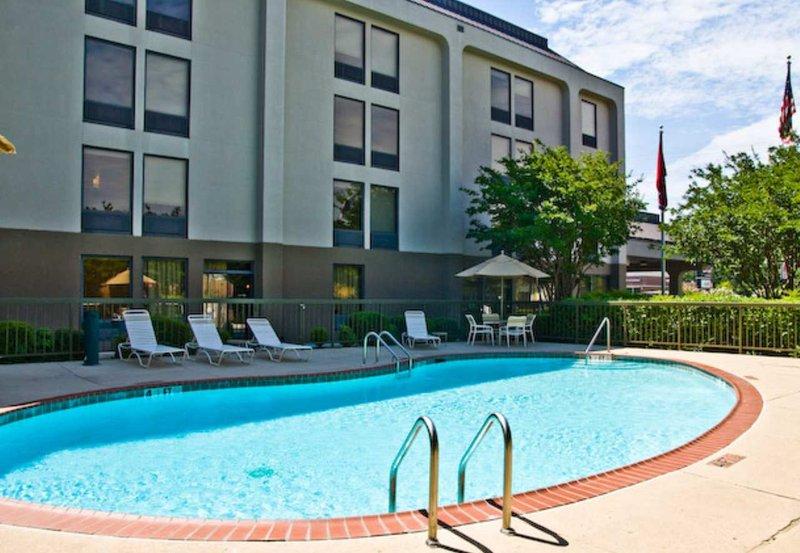 Hampton Inn Memphis - Poplar Widok basenu