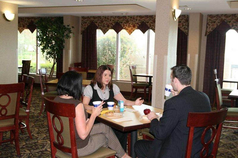 Hampton Inn Memphis-Southwind, TN Ресторанно-буфетное обслуживание