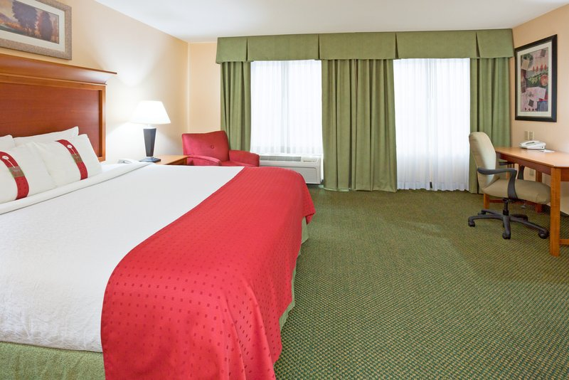 Holiday Inn Otsego-Wildwoods Waterpark View of room