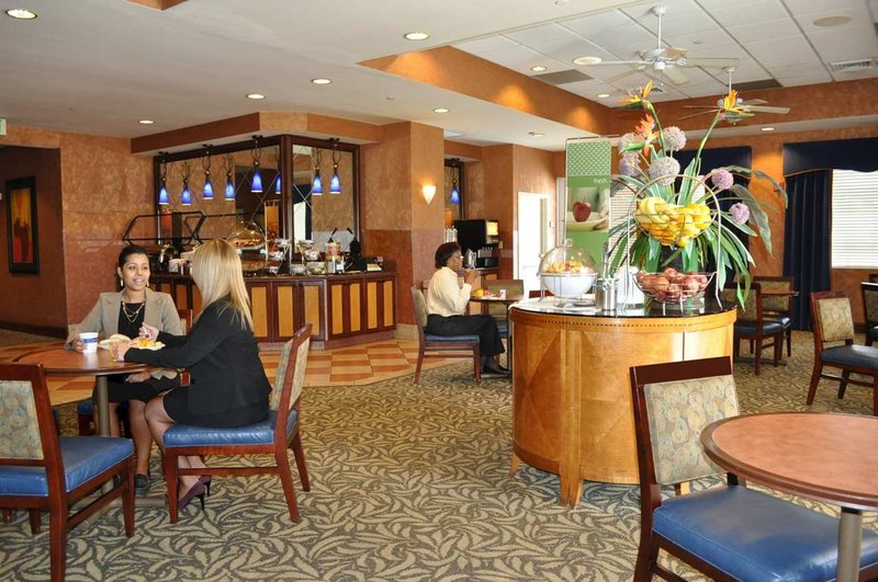 Hampton Inn & Suites - Miami-Airport South/Blue Lagoon Restaurang