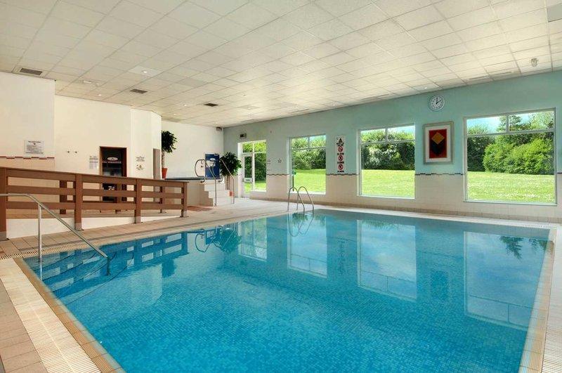Hilton Milton Keynes View of pool