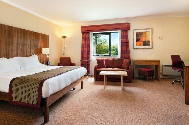 Hilton Milton Keynes Suite