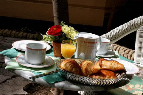 卡諾戛納馨樂庭酒店 - Breakfast