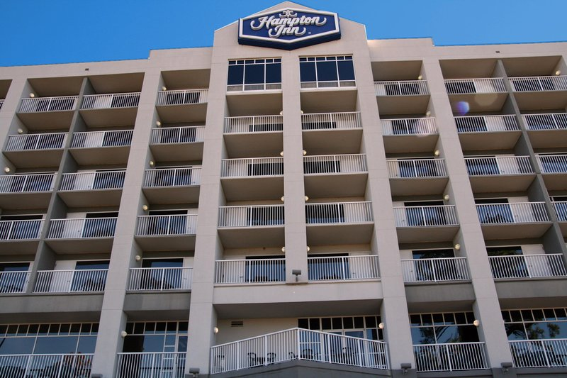 Hampton inn mobile east bay daphne in daphne al 36526 for Hotels with balconies