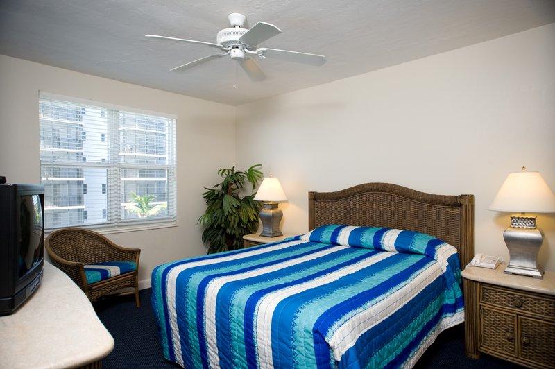 GullWing Beach Resort - Fort Myers Beach, FL