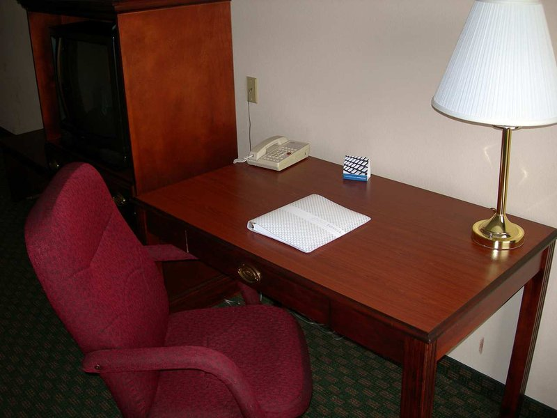 Hampton Inn Bellevue / Nashville-I-40 West - Nashville, TN