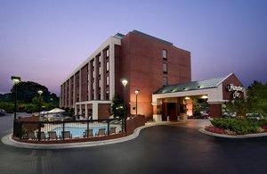Hotels Near White Oak Amphitheatre Greensboro Nc