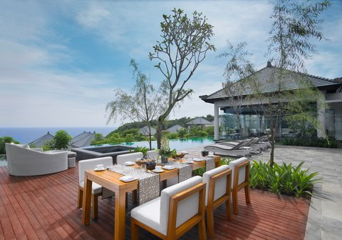 بانيان تري أونغاسان - Presidential Villa Breakfast Setup