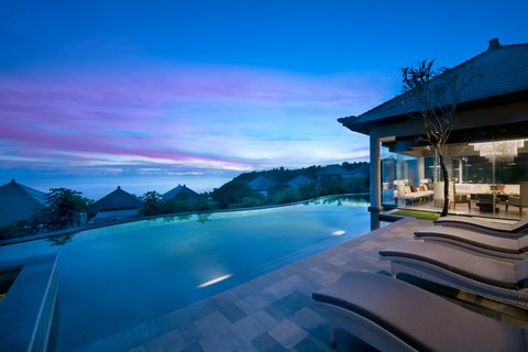 بانيان تري أونغاسان - Presidential Villa Pool