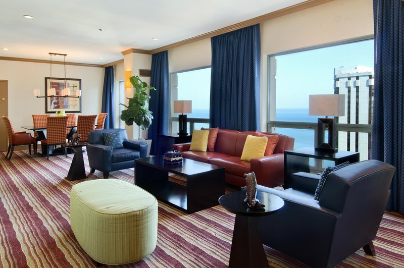 Hilton Suites Chicago/Magnificent Mile Suite