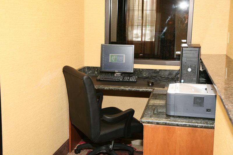 Holiday Inn Express & Suites DETROIT DOWNTOWN - Detroit, MI