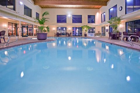 Holiday Inn Express HOLLAND - Swimming Pool