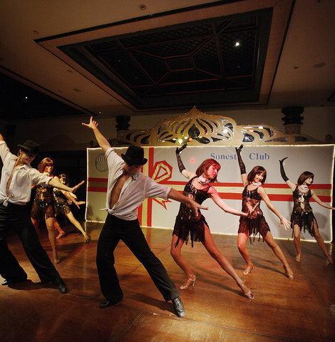 فندق ذا ثري كورنرز ريحانا - Dancers