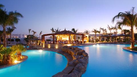 فندق ذا ثري كورنرز ريحانا - Pool Tropical Bar
