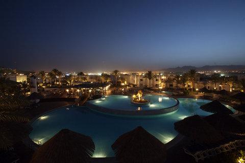 فندق ذا ثري كورنرز ريحانا - Pool Dolphin Pool