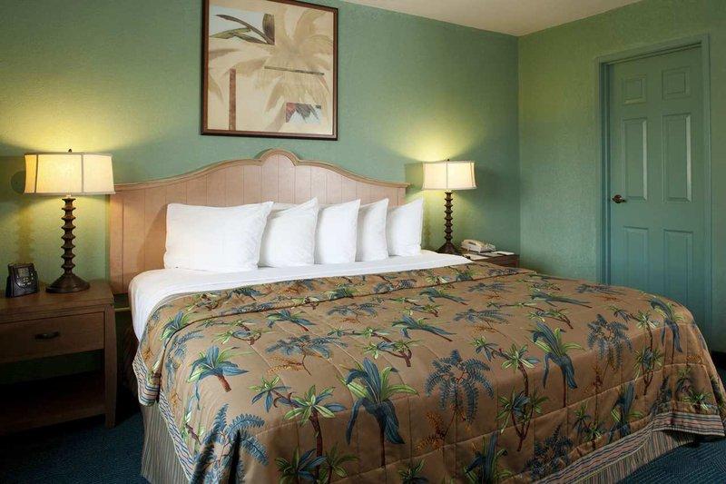 Embassy Suites By Hilton Mandalay Beach Resort - Oxnard, CA